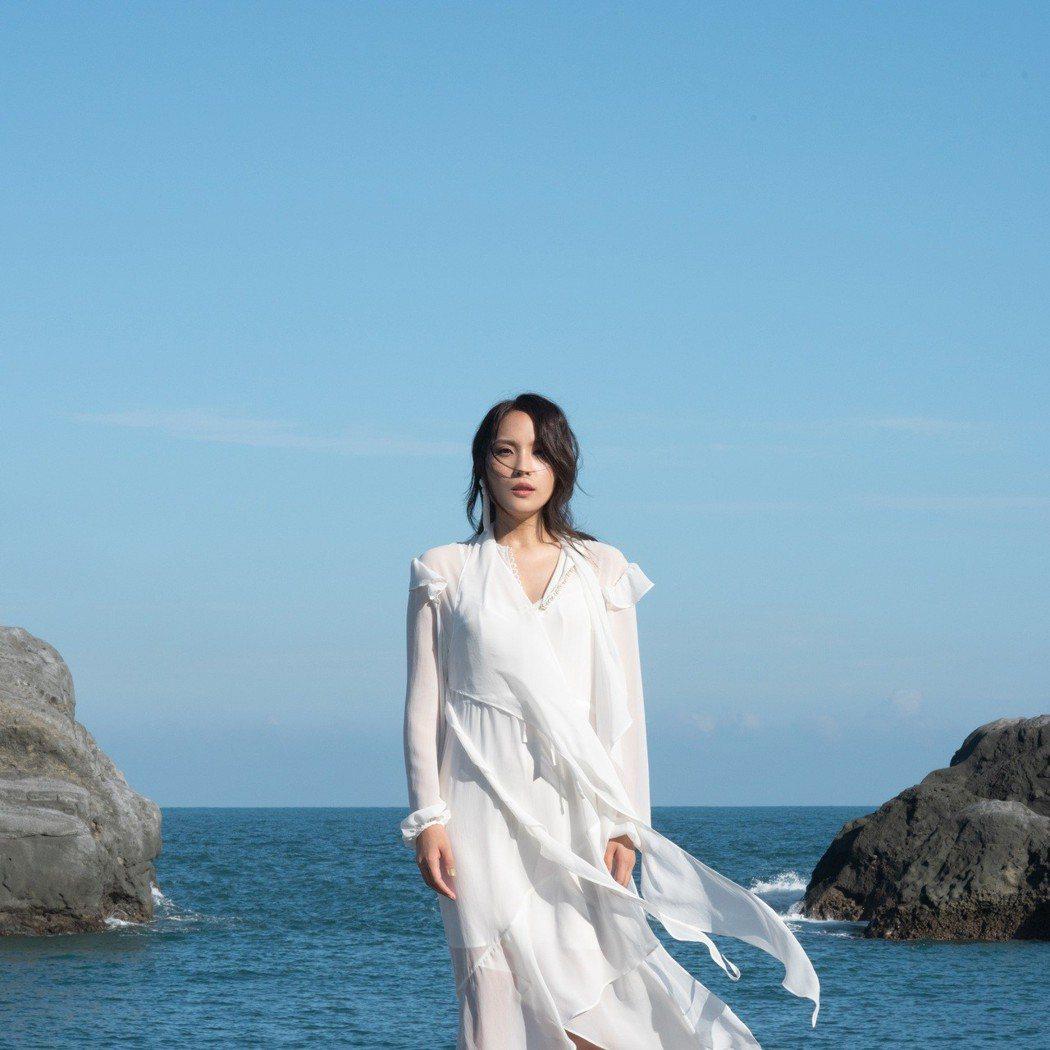 呂薔11月30日將發行新專輯「Dear Myself」。圖/愛貝克斯提供