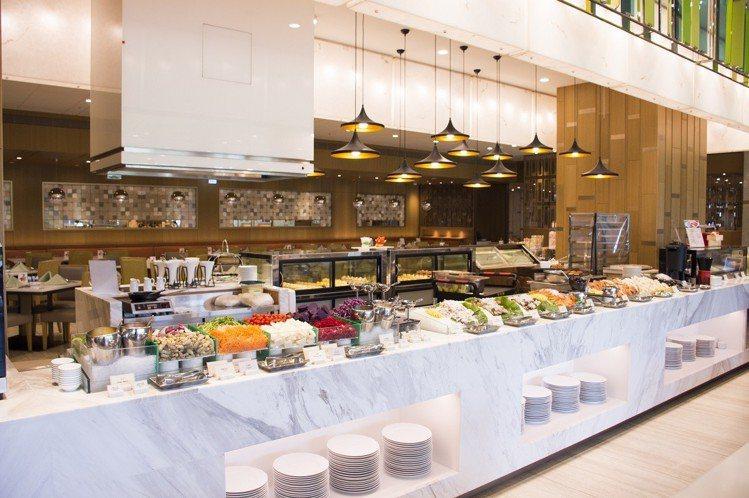 台北六福萬怡酒店推出下午茶自助餐券優惠。圖/台北六福萬怡酒店提供