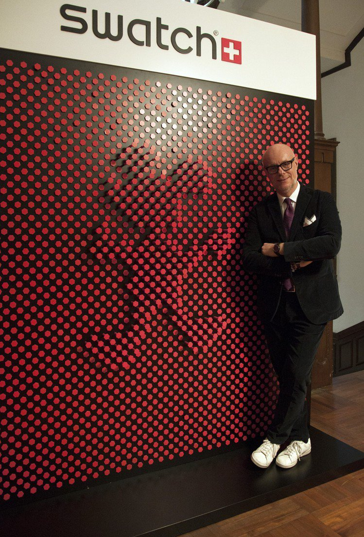 SWATCH創意總監Carlo Giordanetti先生,認為品牌與藝術家合作...