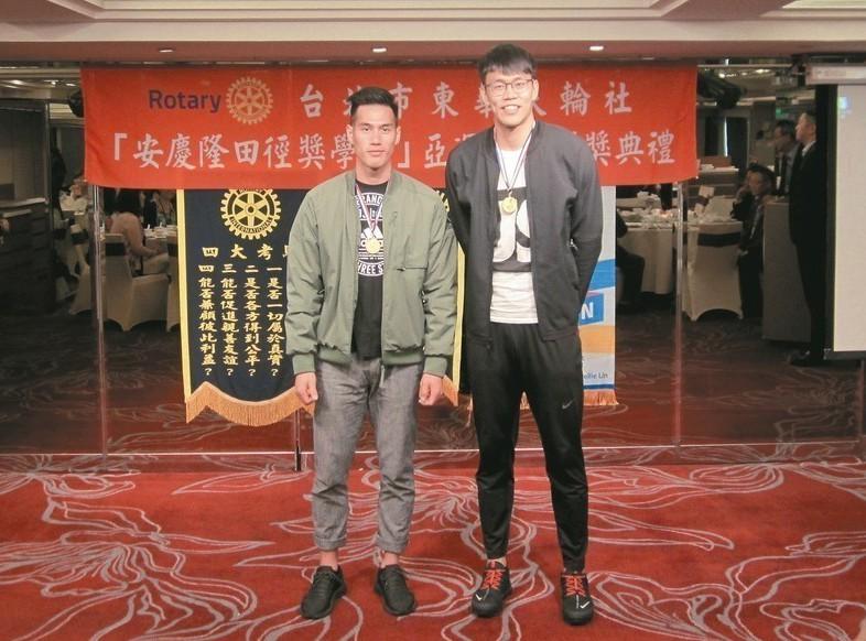 楊俊瀚(左)、陳奎儒希望達成東奧奪金。 記者黃顯祐/攝影