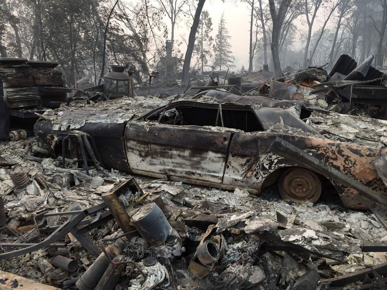 北加州標特郡天堂鎮(Paradise),一週前「坎普野火」(Camp Fire)...