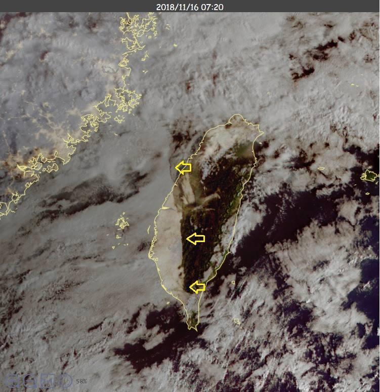 雲圖中可見,跨過台灣中南部,一大片邊緣整齊的層雲。圖/擷自鄭明典臉書