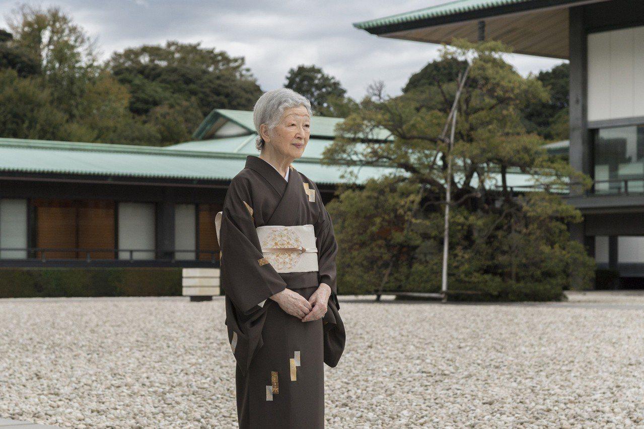 日本皇后美智子透露,退休後儘可能多讀書,已備好吉福斯和伍斯特為主角的英國小說,帶...