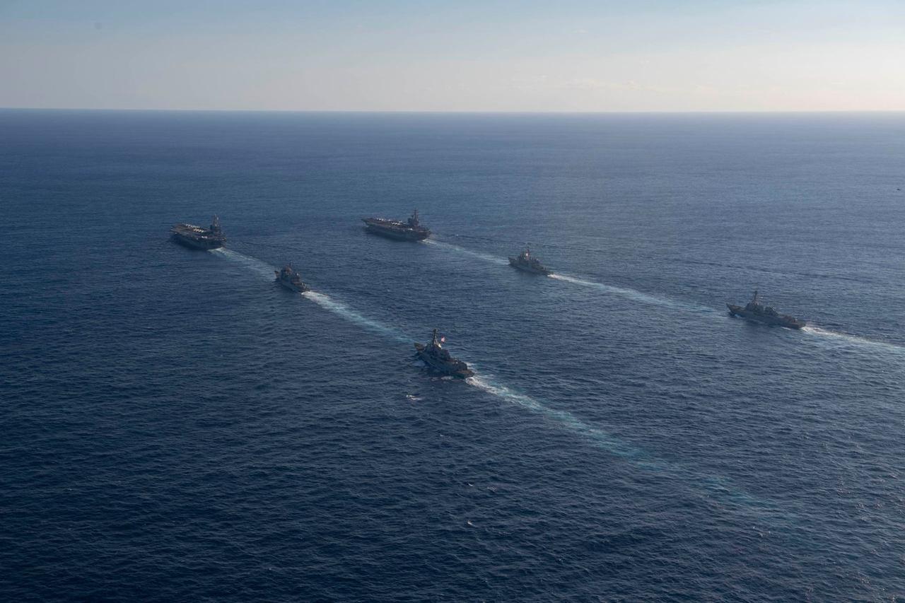 正在菲律賓海國際水域行動的美軍史坦尼斯號航空母艦,今天透過臉書上的官方粉絲頁,釋...