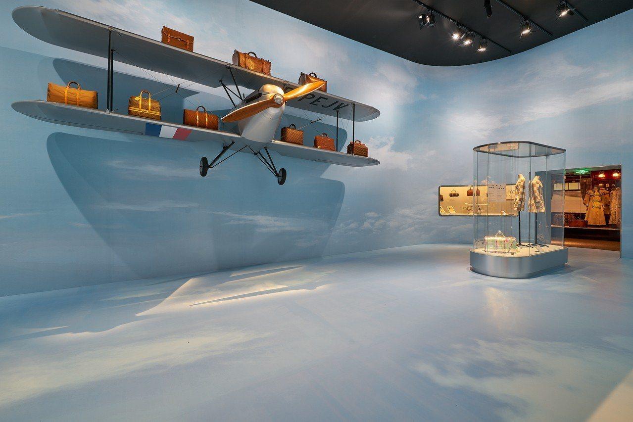 「航空」主題展區有輕盈明亮的未來感。圖/LV提供