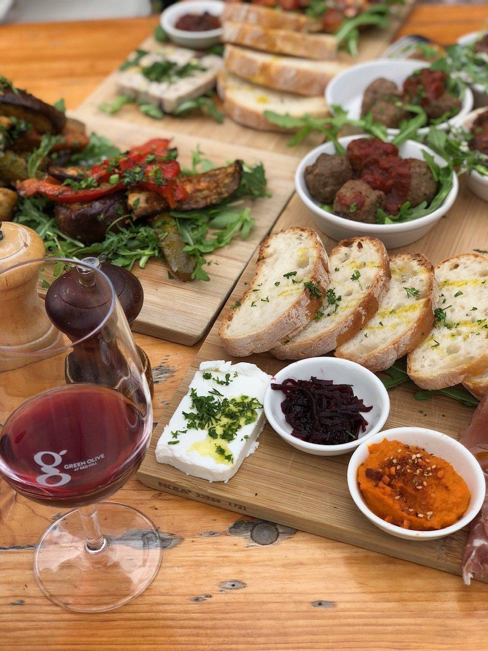 Green Olive強調餐桌上幾乎所有的食材都是從自己農場來的。記者錢欽青攝影...