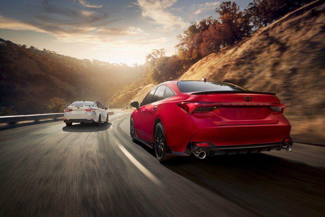 全新Toyota Camry/Avalon TRD需等到2019年秋季才會上市。...