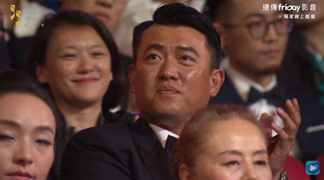 網友覺得王建民的表情有點尷尬。圖/截圖自friDay影音