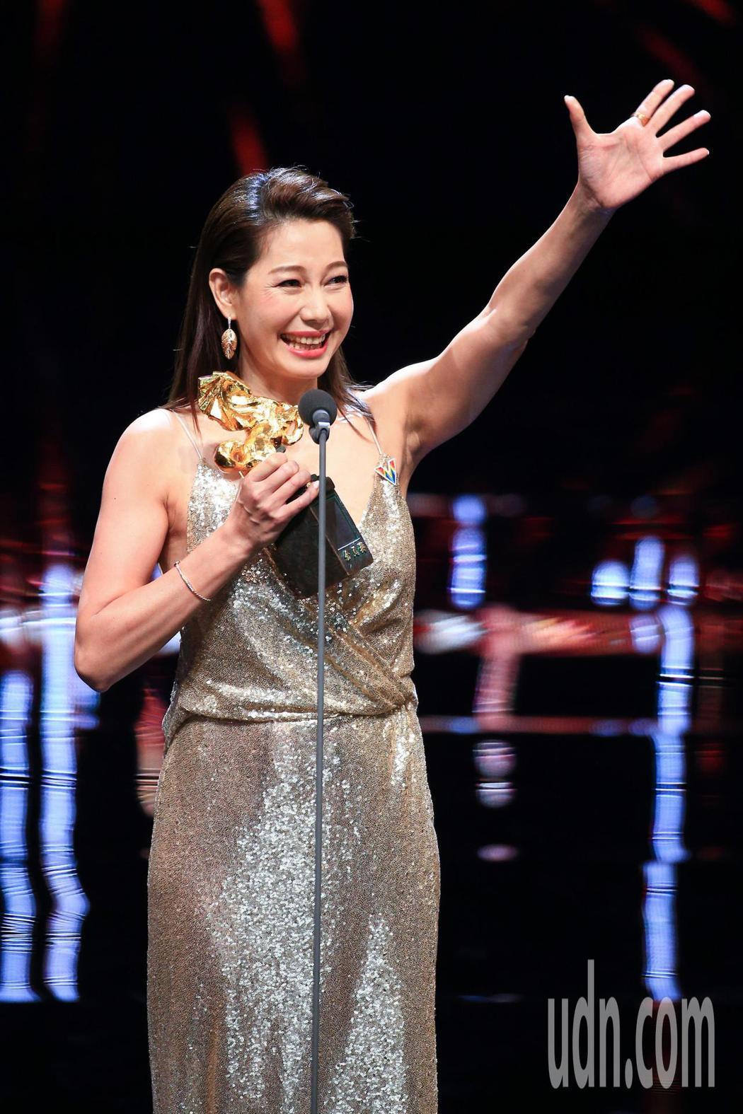 第55屆金馬獎頒獎典禮,丁寧以「幸福城市」獲頒最佳女配角。記者林伯東/攝影