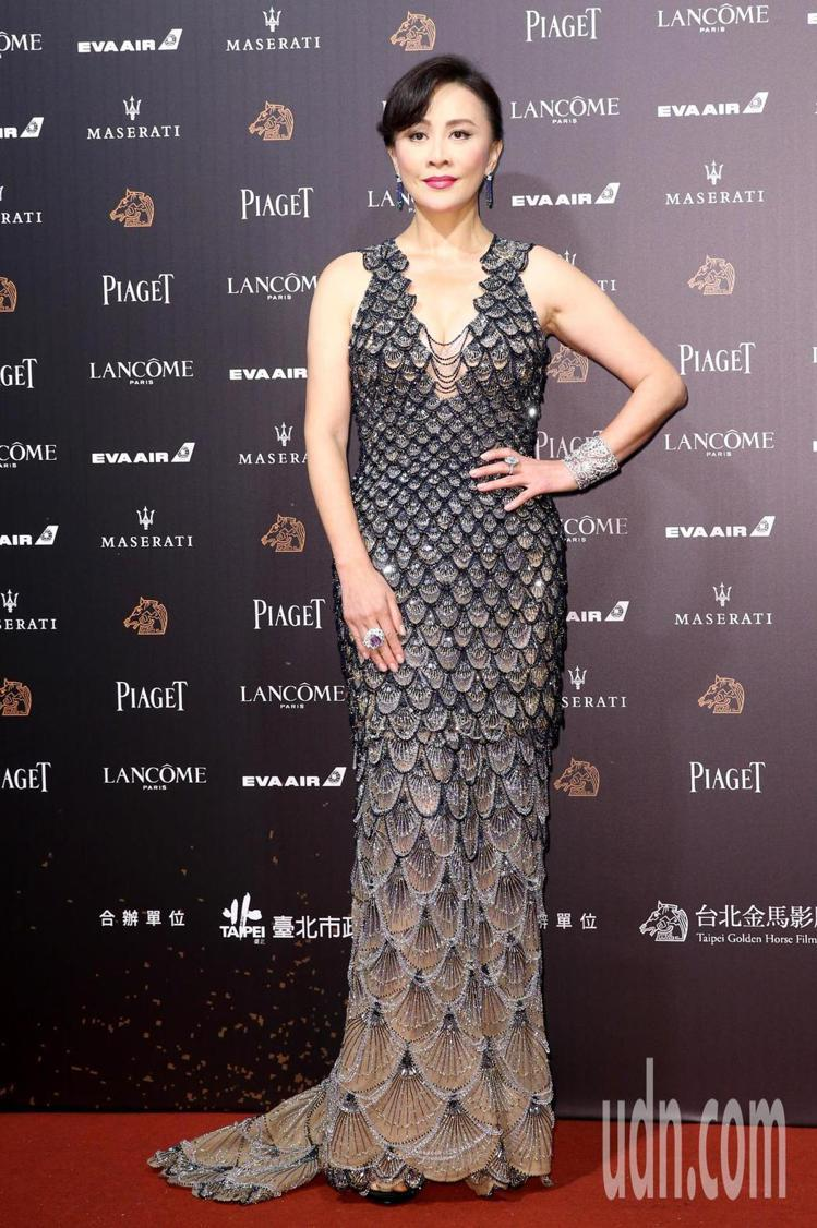 劉嘉玲Versace亮片魚鱗紋禮服、搭配CARTIER珠寶。圖/記者鄭清元攝影