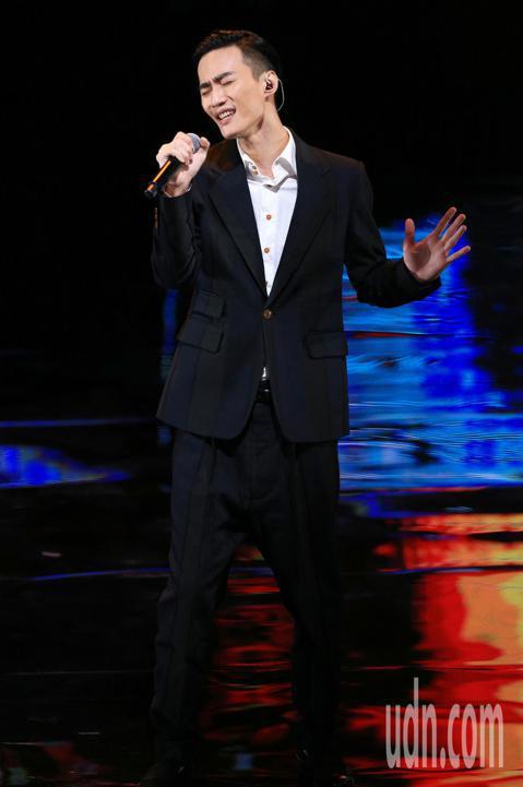 第55屆金馬獎頒獎典禮,入圍最佳原創電影歌曲的李英宏演出。