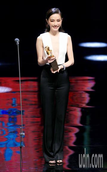 第55屆金馬獎頒獎典禮,謝金燕擔任頒獎人。