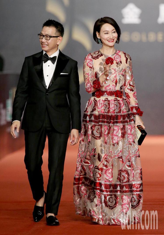 惠英紅身穿Dolce & Gabbana禮服搭襯伯爵珠寶和最佳男配角得主...