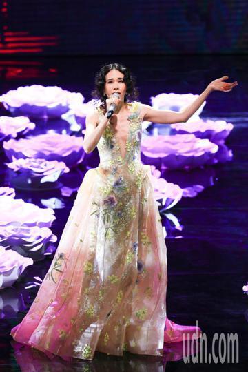 第55屆金馬獎頒獎典禮,莫文蔚演出。