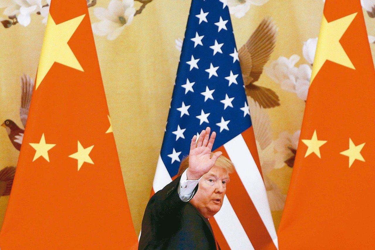 美國總統川普16日談及美中貿易指出,他認為雙方將會達成協議。 路透