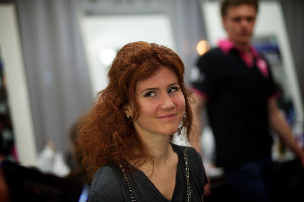 俄國豔諜查普曼案曾喧騰一時,圖為她2013年出席莫斯科一場時尚活動。(美聯社)