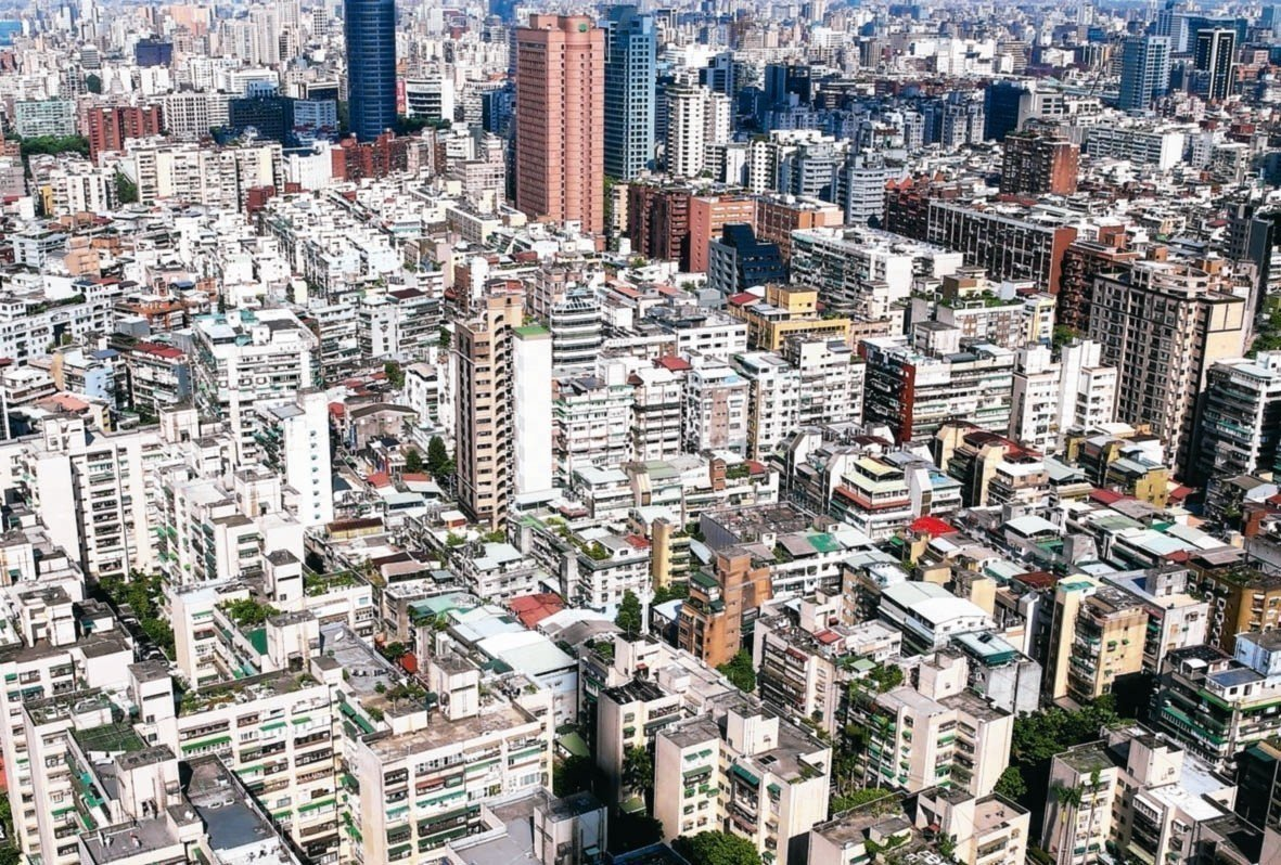 房仲業者保守預估,今年全年買賣移轉棟數為27萬至27.5萬棟間。 本報系資料庫