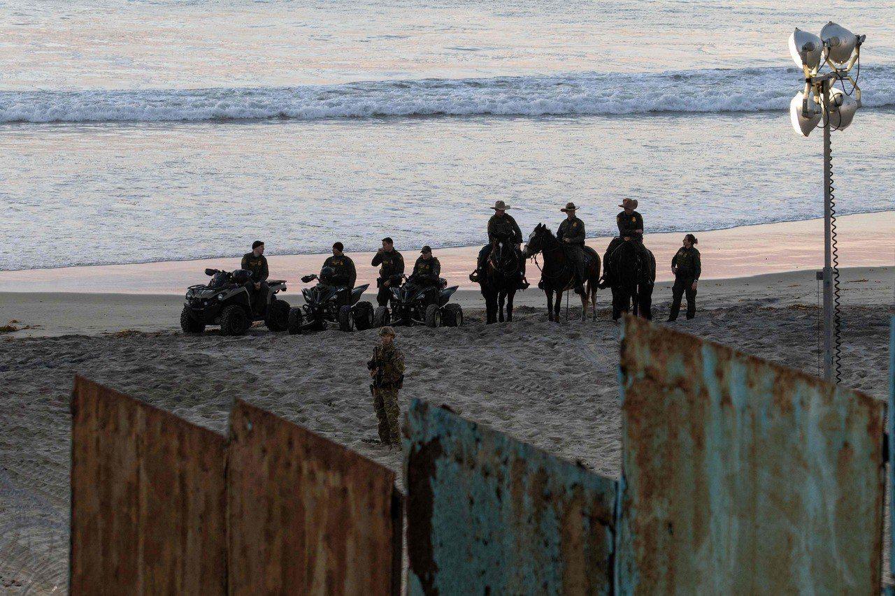 克勞指出,派遣士兵駐紮邊境影響多數戰鬥部署。 法新社
