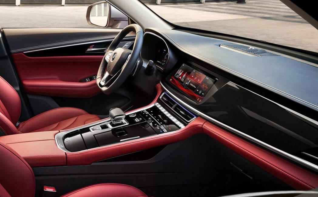 長安CS85的中控配置有豪華休旅車的科技感。 摘自長安汽車