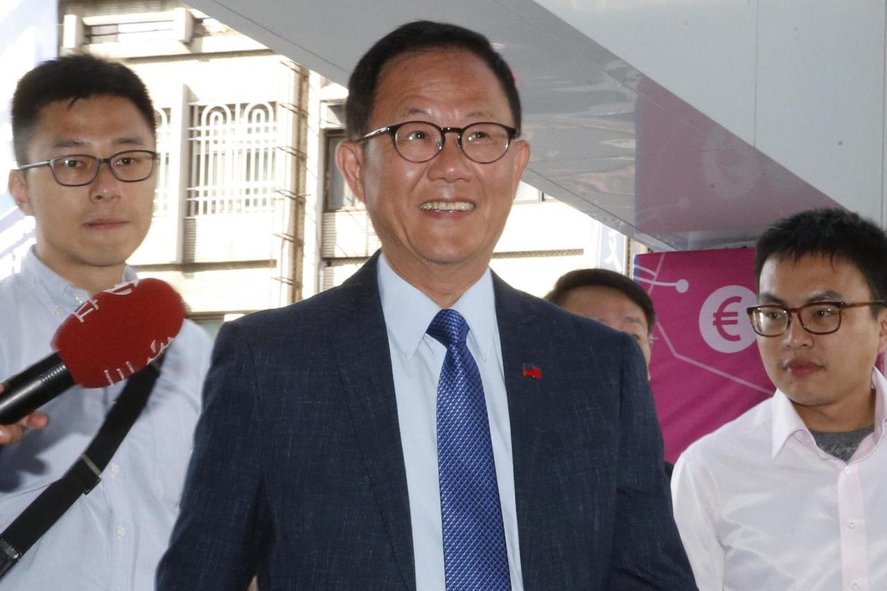台北市長選舉第二次公辦政見發表會下午在新台北有線電視舉行,丁守中親自出席發表政見...
