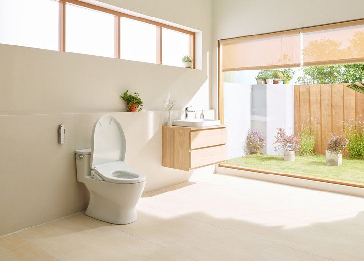 TOTO史上最大年終優惠活動開跑,提升家中如廁品質就趁現在。圖/TOTO提供