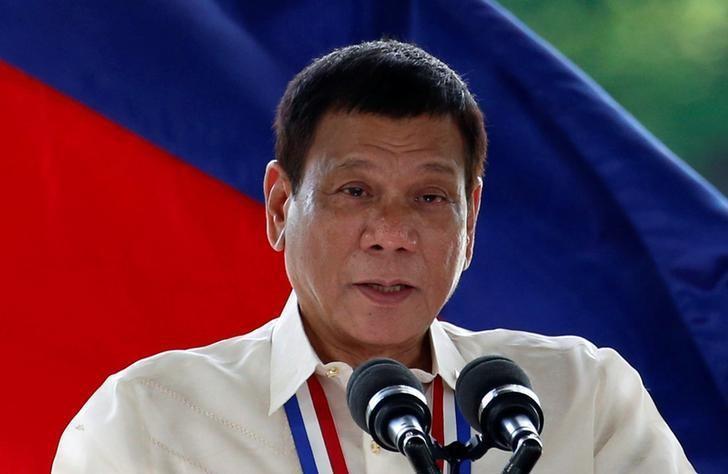 菲律賓總統杜特蒂揚言成立「行刑隊」對付菲共游擊分子及地方惡棍。 路透