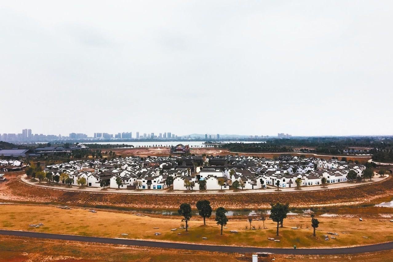 中華古民居全景。