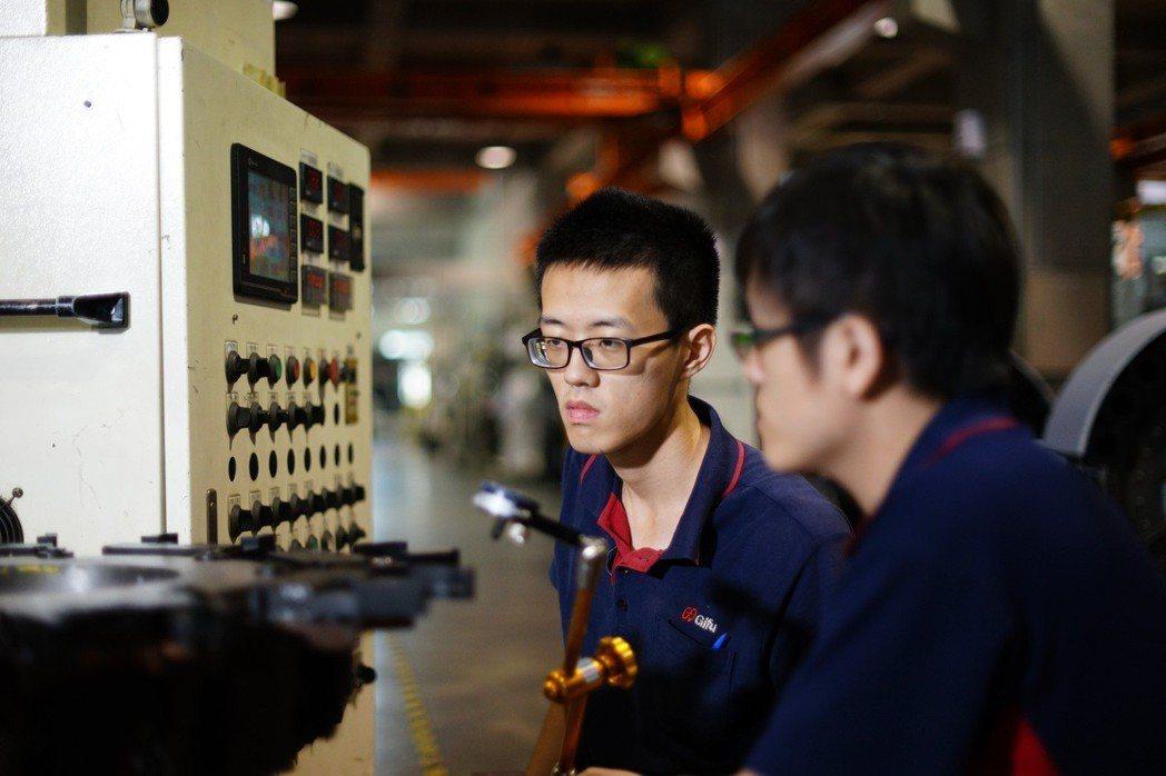 吉輔工廠自動化,刀庫製造過程有自動化監控設備隨時掌握製程。 吉輔/提供
