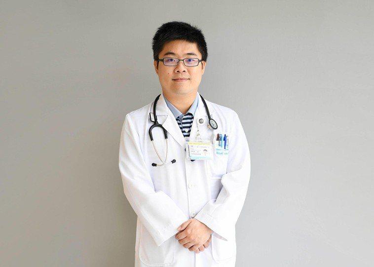 輔大醫院胸腔內科主治醫師郭彥良醫師說:「肺炎會影響到肺部氣體交換的能力,也會容易...
