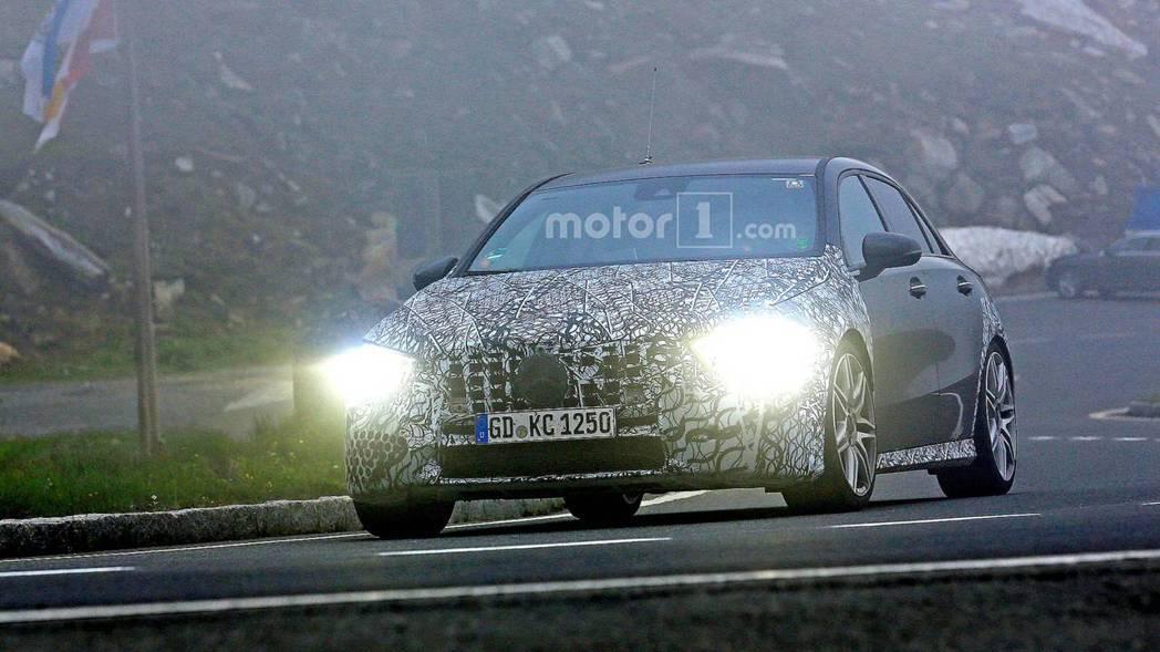 新Mercedes-AMG A45將會有至少400匹的馬力。 摘自Motor1