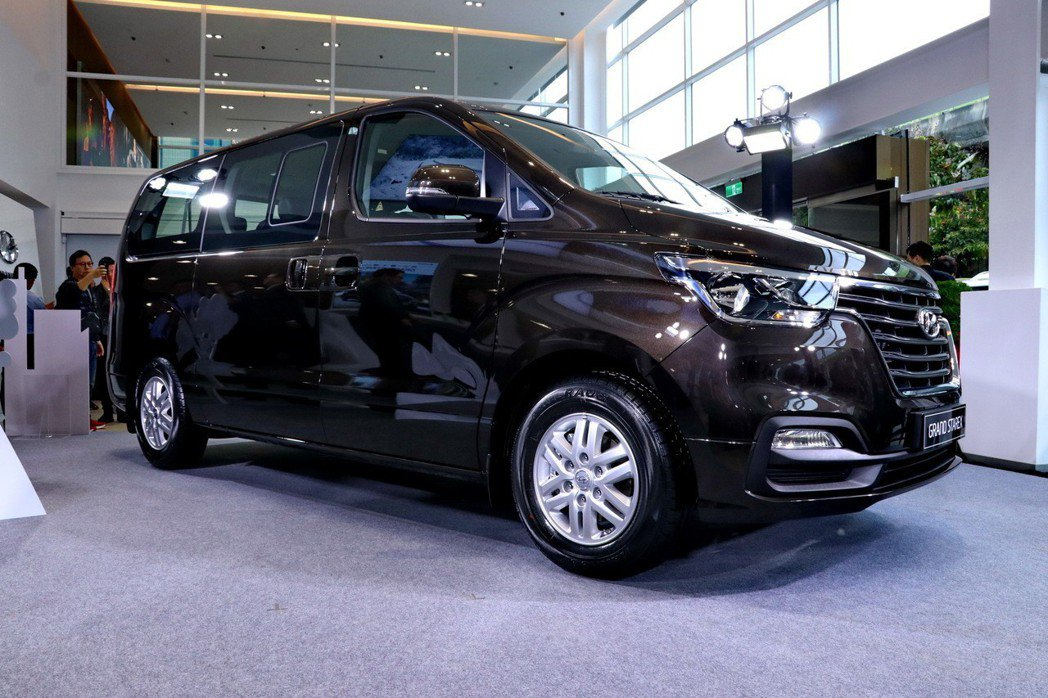 全新GRAND STAREX車身維持5,150mm的大容量。 記者陳威任/攝影