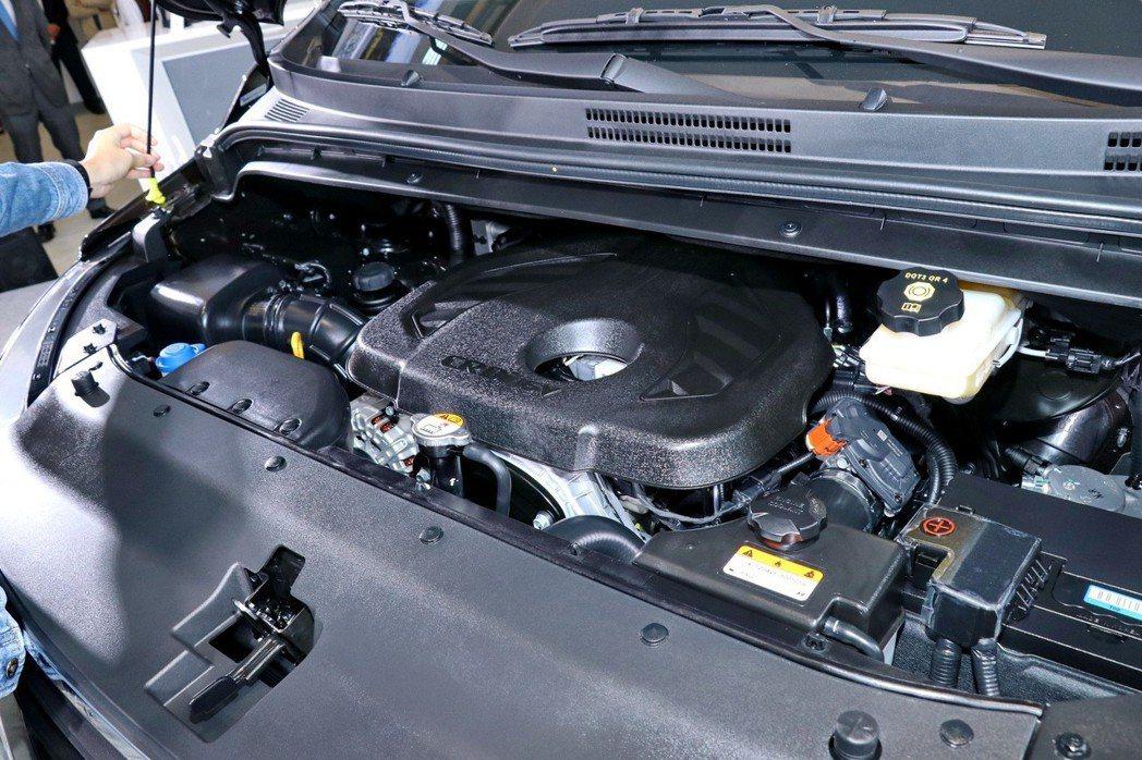 GRAND STAREX搭載排氣量2.5升直列四缸柴油引擎。 記者陳威任/攝影
