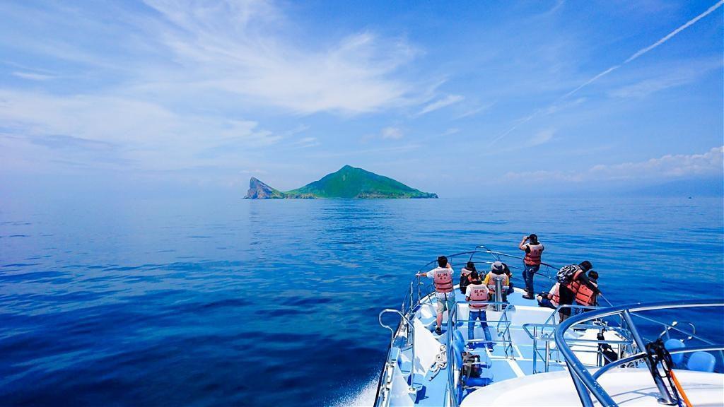 ▲跨年曙光秘境-宜蘭龜山島|圖片來源:Tripbaa趣吧!亞洲自由行專家