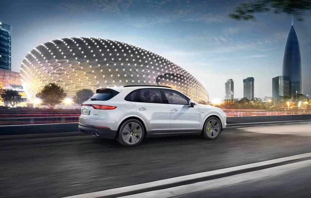 全新Porsche Cayenne E-Hybrid綜效馬力可達462hp。 圖/台灣保時捷提供