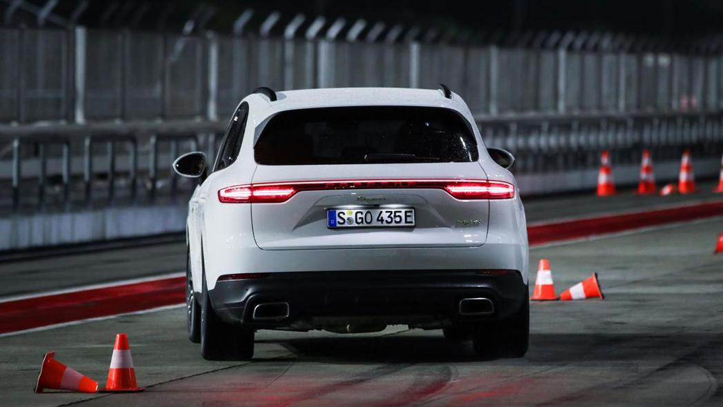 全新Porsche Cayenne E-Hybrid。 摘自Porsche
