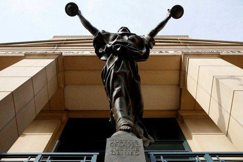 獻給高中生的「正義課」:選擇法律這條路前,該思考什麼?