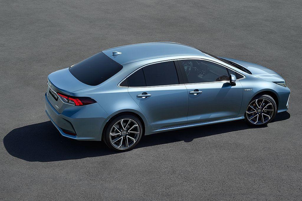 依據歐洲Toyota汽車公布油耗數據顯示,Corolla Sedan Hybri...