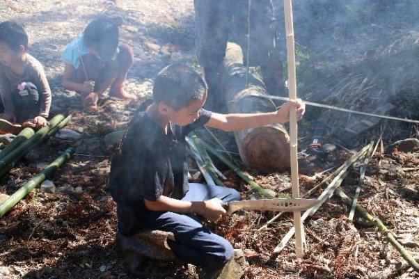 重返大山的Skaru部落孩子,體驗傳統文化。圖/微獵角旅人客廳提供