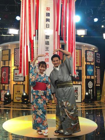 夢多和小百合主持國興新節目「國興日本歌唱王」,夢多主持的另一個節目TVBS「食尚玩家」日前傳出收攤,他對此坦言現在還在等消息,和節目也還有合約沒走完,「我很喜歡主持外景節目的氣氛,這節目12年了,如...
