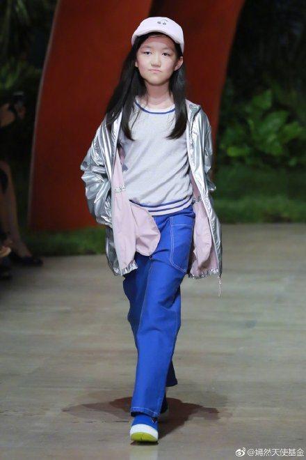 李嫣曾赴巴黎走秀。圖/摘自微博