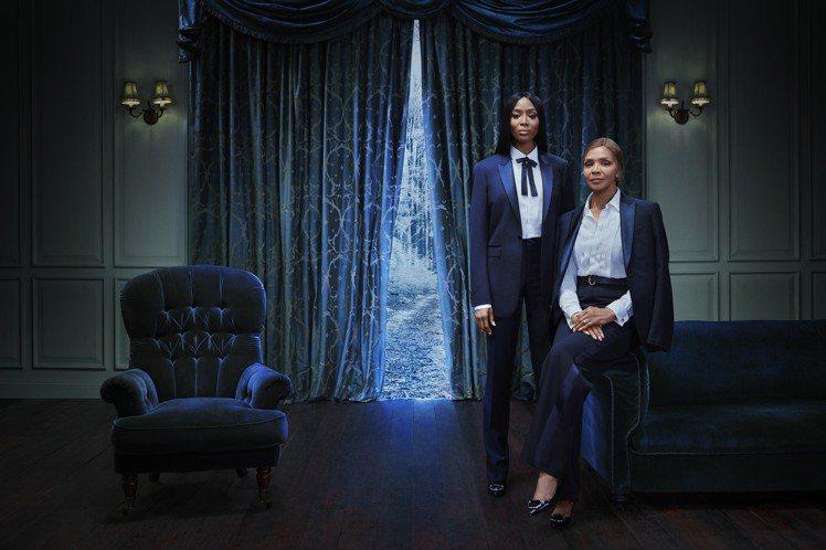 娜歐蜜坎貝兒母女檔參與耶誕形象片演出,暗黑華麗。圖/BURBERRY提供