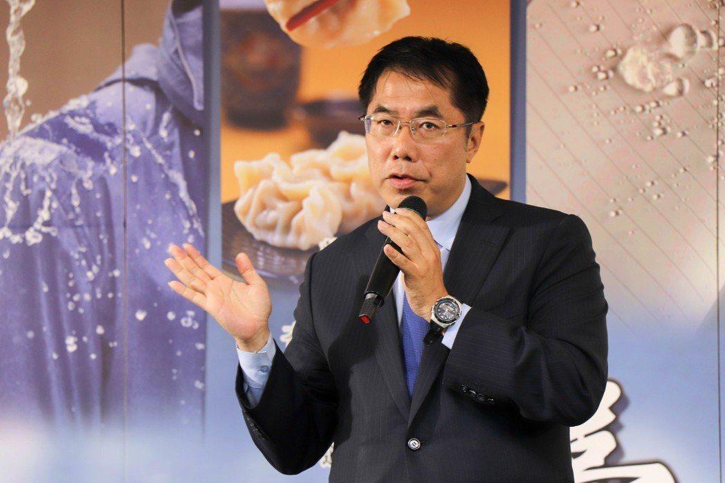 民進黨台南市長候選人黃偉哲說,他沒有行賄、沒有喬事、沒有改變處分,對手屢次抺黑,...