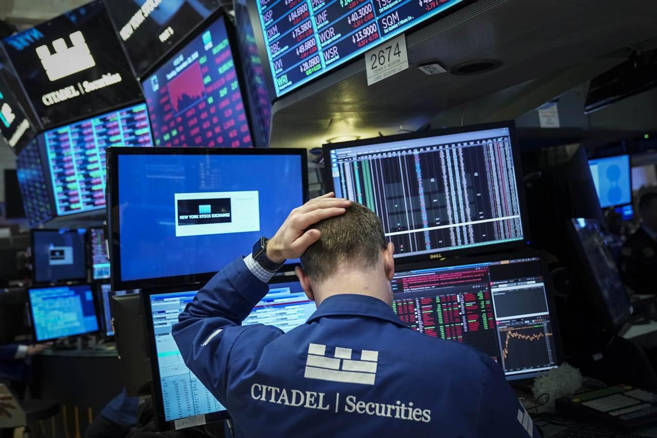 美國主要股指20日大幅下滑,道瓊工業指數和史坦普500指數今年所有升幅都被這一慘...