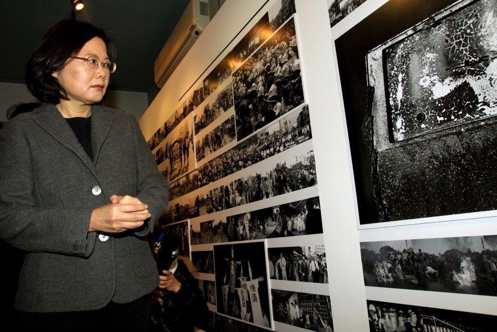 總統蔡英文在2012年前往鄭南榕紀念館。 聯合報系資料照片/記者屠惠剛攝影