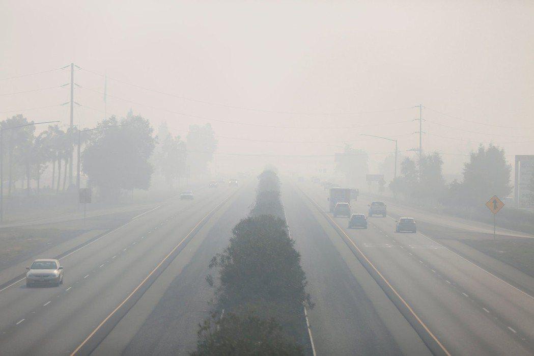 監測全球空氣品質的私營組織Purple Air,上周將北加州的空氣品質列為全球最...