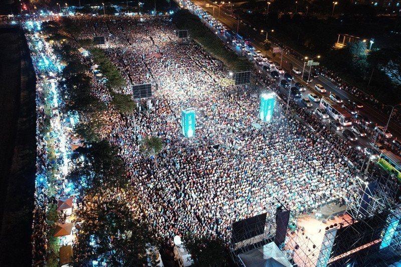 11月17日,民進黨高雄市長候選人陳其邁在岡山舉辦造勢晚會。 圖/聯合報系資料照