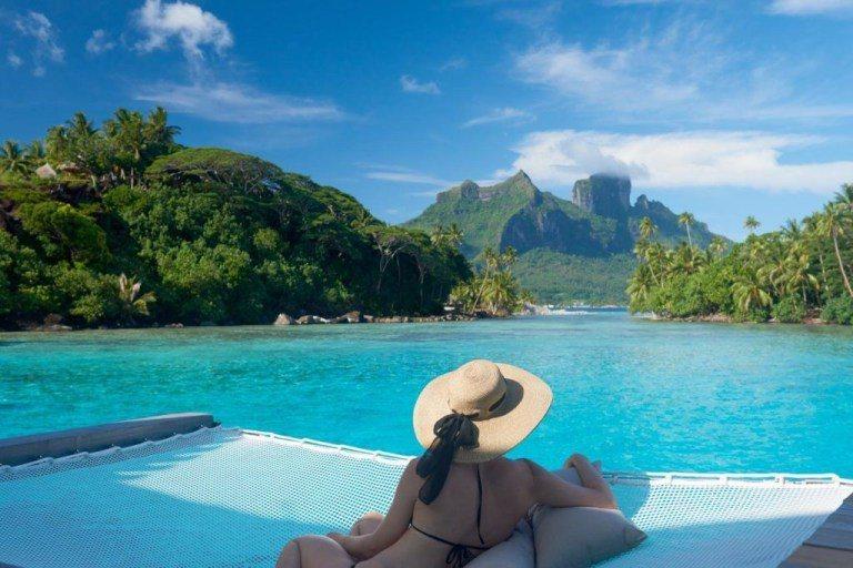 Conrad Bora Bora Nui渡假村的水上屋的景觀,是另一個角度,也一...