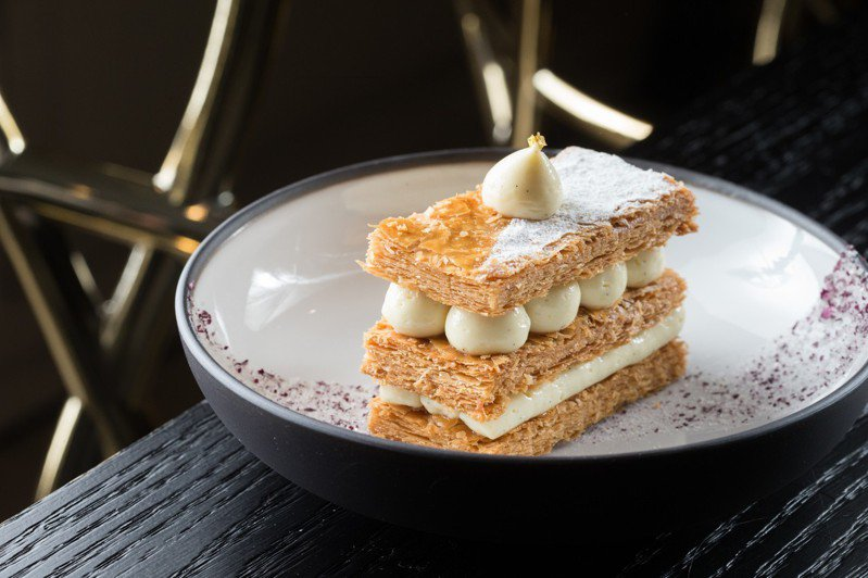 法式香草千層是相當經典的法式甜點,也是來這裡一定要品嘗的甜點。記者陳立凱/攝影