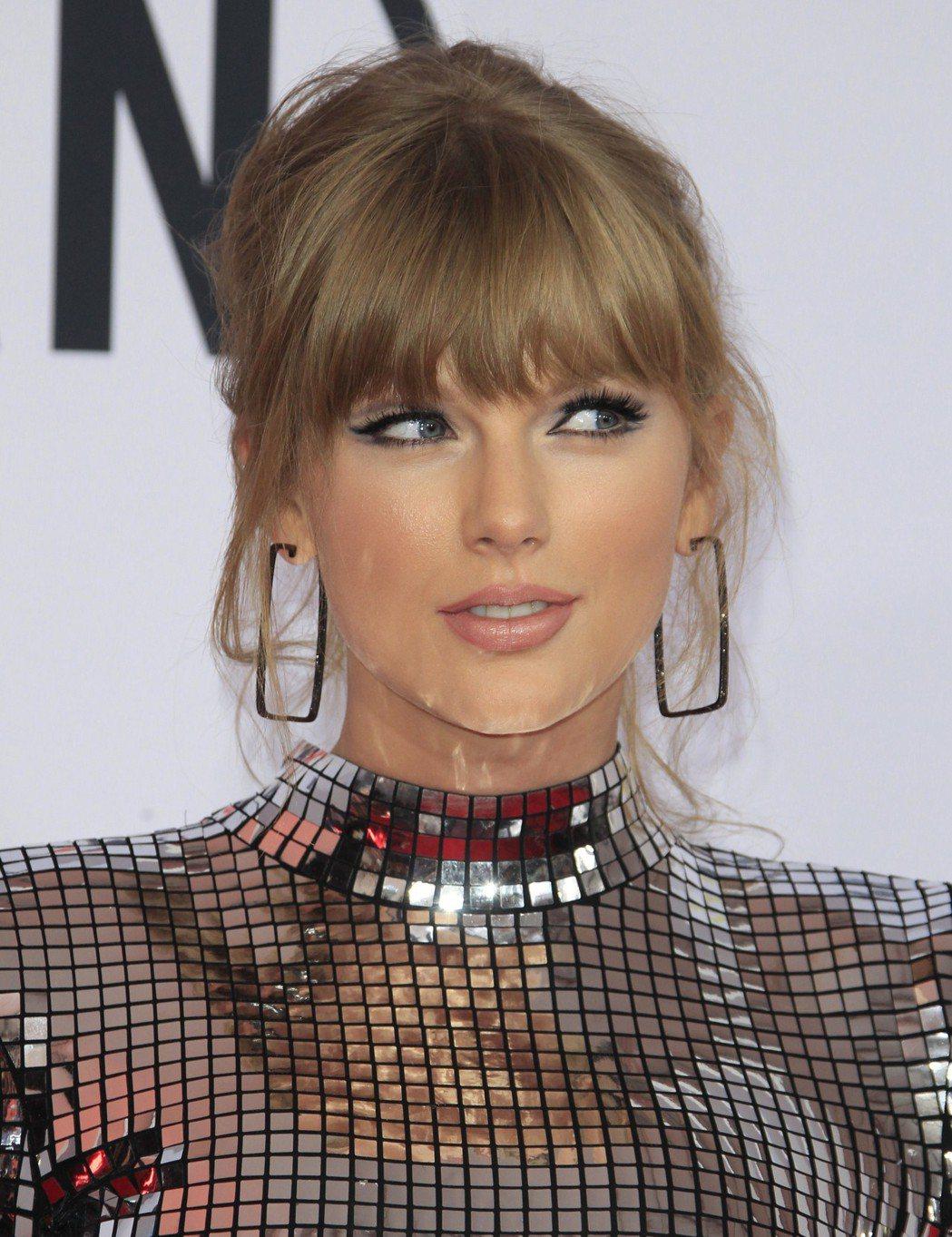 泰勒絲在「富比世」樂壇吸金女星排行榜上排名第2。圖/歐新社資料照片