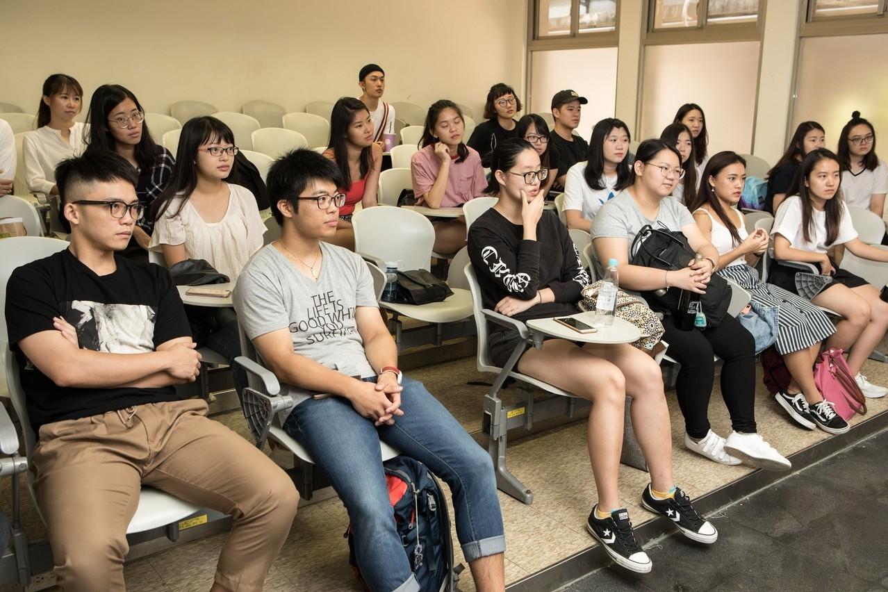「品酒與餐飲管理」是亞洲暑期大學今年頗受歡迎的一門課程。